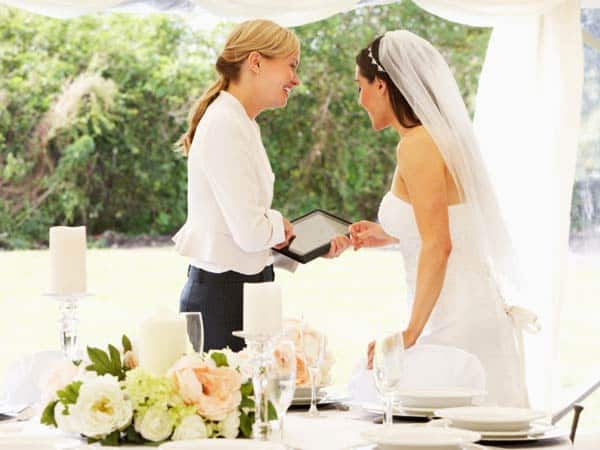 Difference Between Wedding Planner and On-the-Day Coordinator - hourly wedding planner consultation