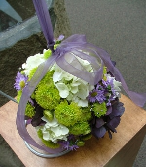 Pomander Kissing Ball Bouquet