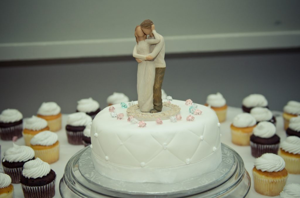 wedding cake topper couple fondant