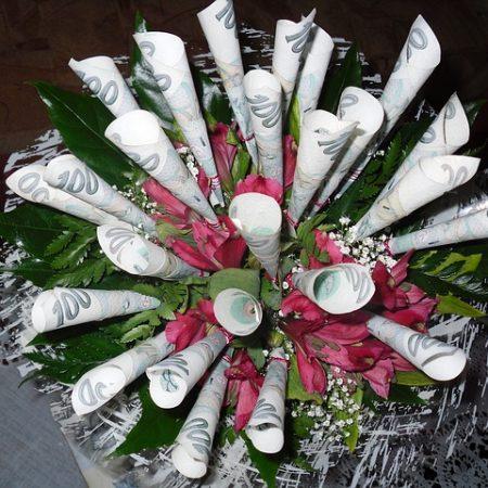 Wedding Budget: Money Bouquet