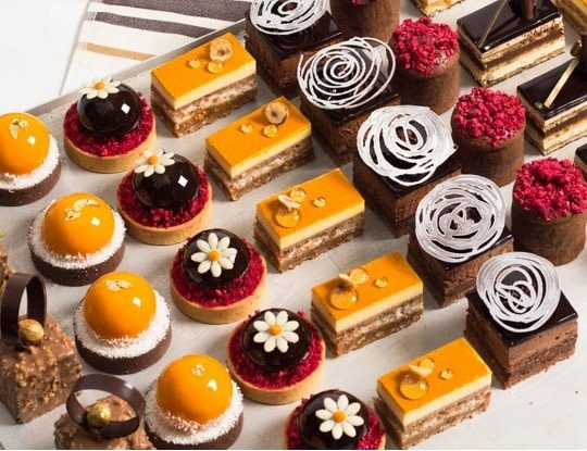 Mini Desserts Pink Caviar