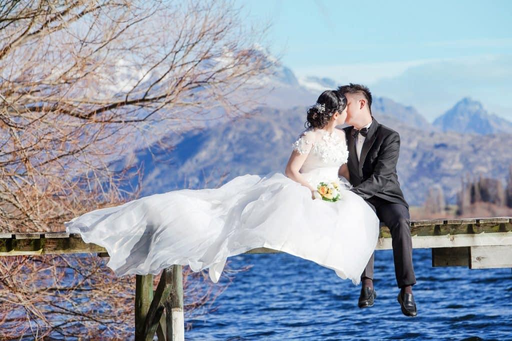 Queenstown Destination Wedding Planner: Couple Kiss