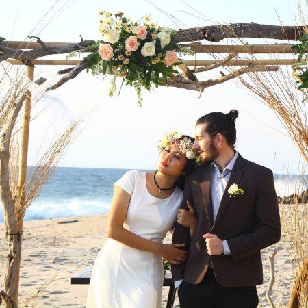 Christmas Wedding Period: Beach Wedding