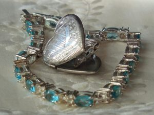 Wedding Anniversary Colours Gift: Turquoise Bracelet Silver Chain