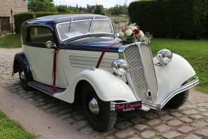 Types Of Wedding Transport: Vintage Wedding Car