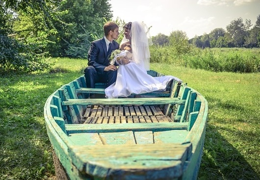 Alternative Wedding Transport: Wedding Boat