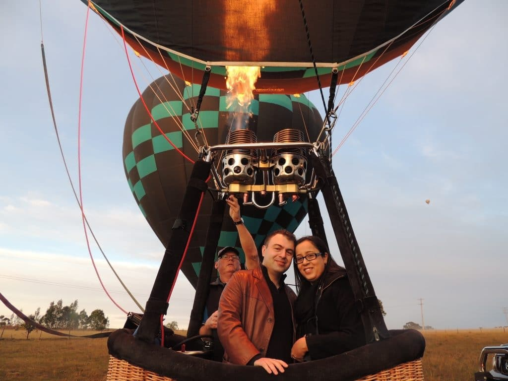 Engagement hot air balloon for proposal surprise