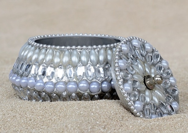 Jewellery Box Beautiful Crafted Wedding Gift Anniversary Pearls Wedding Exchange Bride Gifts