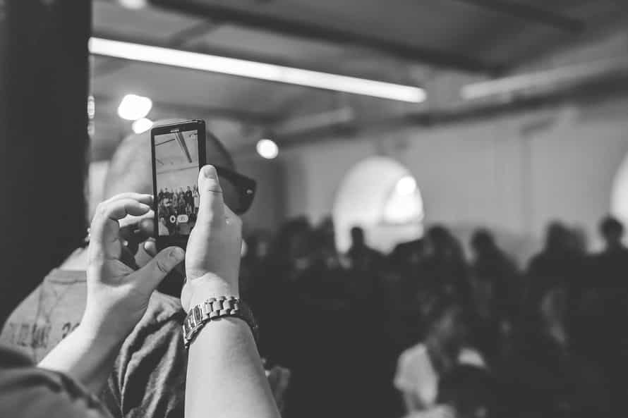 collect and share wedding photos: Taking photos at a wedding DIY vs Professional Service