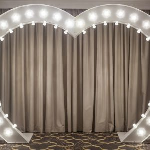 Light Up Heart Arch White